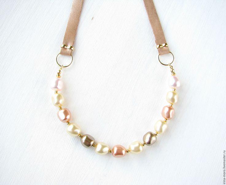 "Купить Колье ""Пастель"" - жемчужное ожерелье, ожерелье с жемчугом, ожерелье из жемчуга, ожерелье бежевое. Beautiful, delicate necklace of Swarovski pearls in pastel tones Italian leather cord. #necklace #jewelry #etsy #pearl #handmade #white #gold #freshwaterpearl #pearlnecklace #wedding #bridesmaidpearl #statementnecklace #bridesmaidnecklace #weddingnecklace #businesscasual #delicatenecklace #swarovski #сваровски #swarovskinecklace"