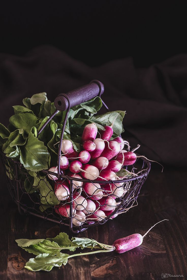 I have a few baskets, but this wire one is great! I'll grab some at the antique store if I see any. Perfect for veggies