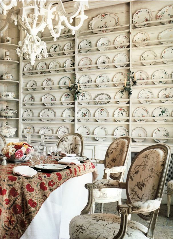 Janet de Botton's home as seen in Vogue Living: Houses, Gardens, PeopleDining Rooms, De Botton, Living Room, Plates Racks, Diningroom, Display, Dining Room Wall, Plates Wall, China