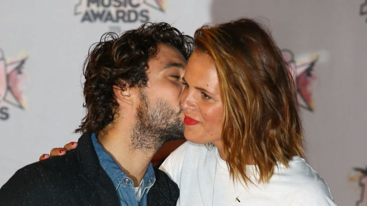 Laure Manaudou en couple avec Jérémy Frérot:la fille de la nageuse approuve Check more at http://people.webissimo.biz/laure-manaudou-en-couple-avec-jeremy-frerot-la-fille-de-la-nageuse-approuve/