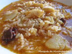 Éste, es un arroz caldoso sencillo y de los que se hacen en La Mancha desde siempre, con pocos ingredientes pero con un resultado es...