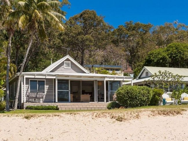 Australian beach house, Clareville NSW
