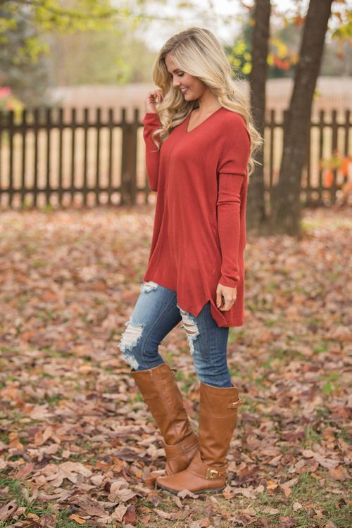 These beautiful pullovers are so wonderful for staying cozy and adding an extra cozy layer to your fall outfits! Featuring a gorgeous shade of rust red-orange that's sure to stand out on a chilly fall