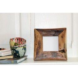 Cadre photo 21x 21 cm en bois de récupération. NZITO.Tanzanie. 32€