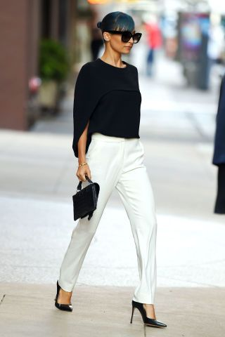 20 all black and white outfits that prove this color combo is a no-fail look.