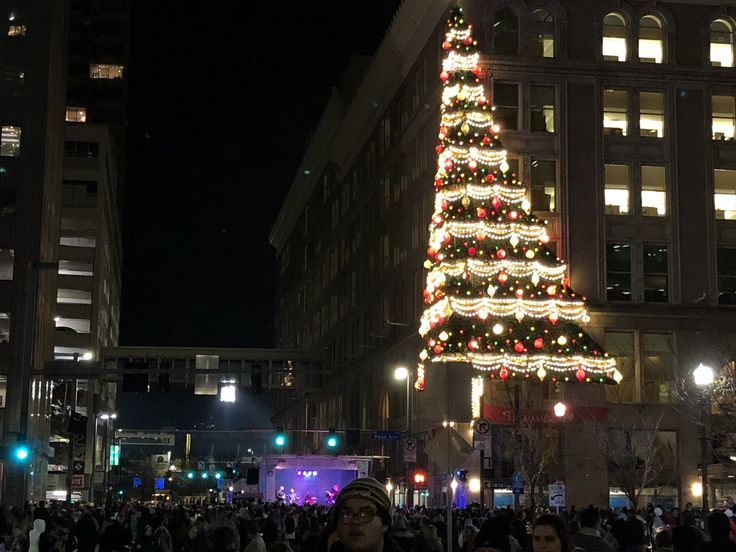Tis the Pittsburgh Season Seasons, Pittsburgh, New years eve