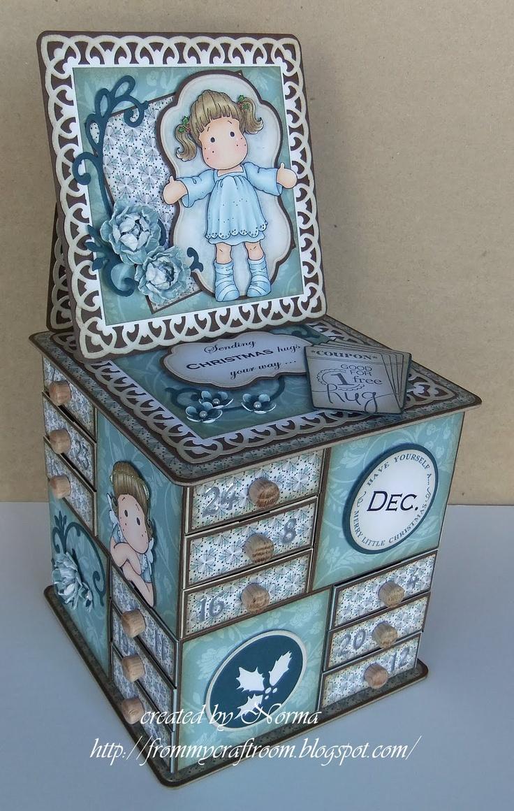 From My Craft Room: Sending Christmas Hugs - Advent Calendar Box