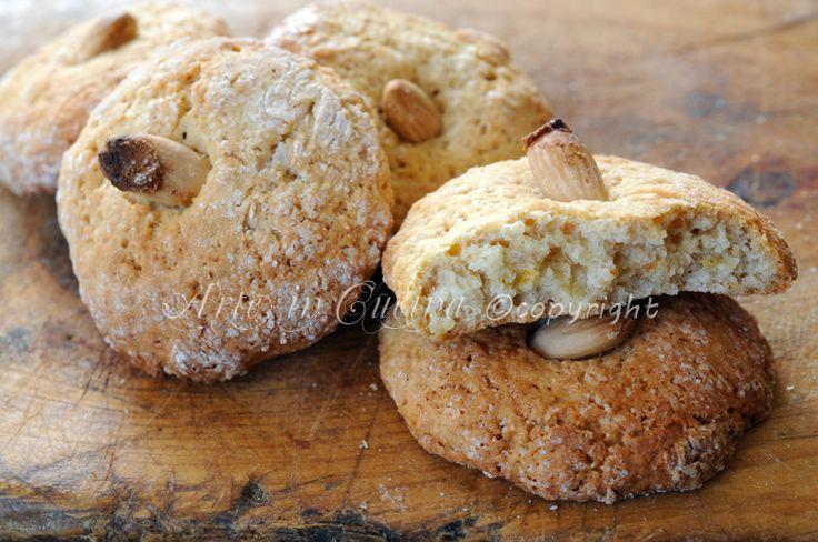 Nzuddi dolci alle mandorle ricetta siciliana, biscotti dei morti, dolci veloci, profumati all'arancia, cannella, biscotti con farina di mandorle facili, dolci siciliani