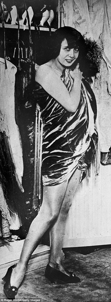 305 best images about moulin rouge on pinterest poster for Josephine baker paris