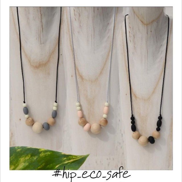 The Mudhoney Diva silicone necklace is a timeless piece. Silicone beads combined with earthy natural wooden beads.....Perfect for your Autumn boho wardrobe! #jewelleryaustralia #handcrafted #australia #gift #mum #newborn #boho