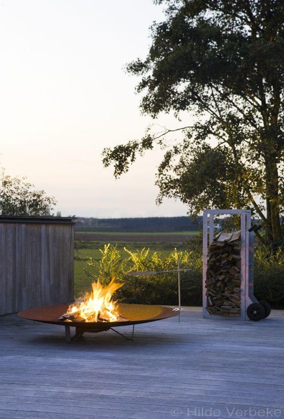 outdoor furniture van Extremis, tools for togetherness | De Mooiste Zwembaden