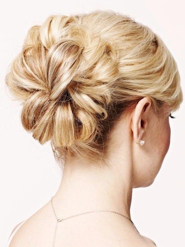 Причёска с БАБЕТТОЙ classik - причёска с постижем, светлый блонд прямые волосы http://www.aleksandr-and-olga.ru/ http://www.livemaster.ru/hair-collection