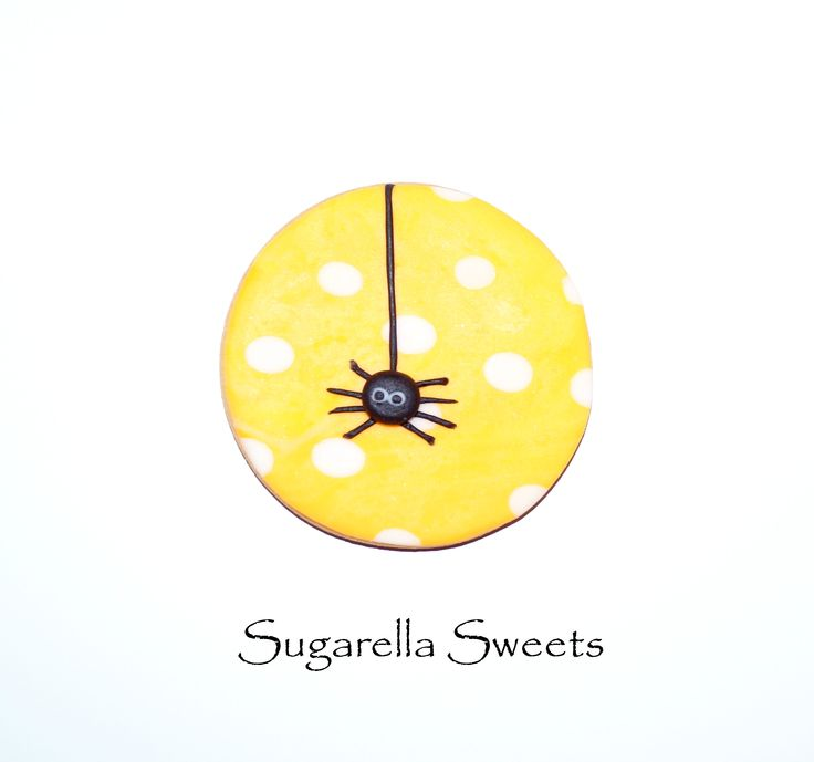 Halloween cute spider cookie. Perfect  to give away as party favors. Go to www.SugarellaSweets.com for more ideas