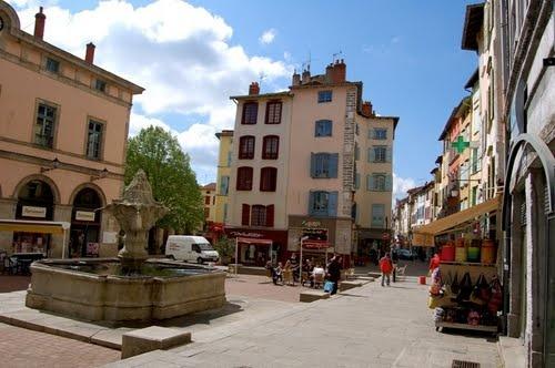 Le Puy en Velay - Place du Plot:) Did G ....