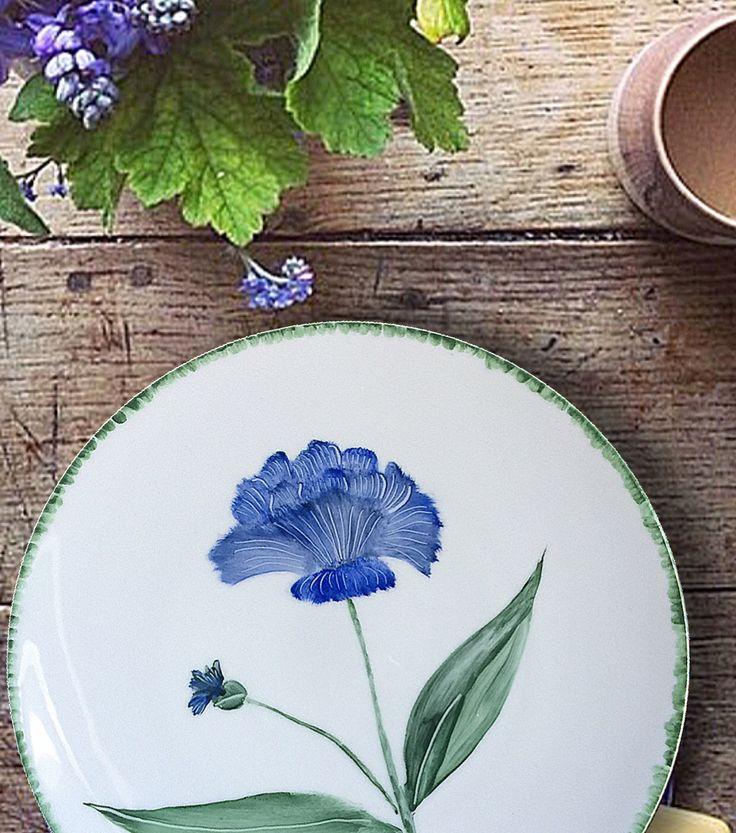 Blue flower by @azarraluqui #azarraluqui