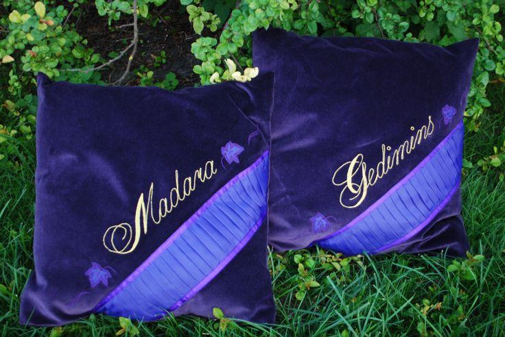 Pillows for bride & groom// Spilveni līgavai un līgavainim
