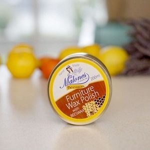 Malones Irish Made Beeswax polish is a rich polish, ideal for furniture and floors that needs to be revitalised. When applied it leaves a lovely silky finish.