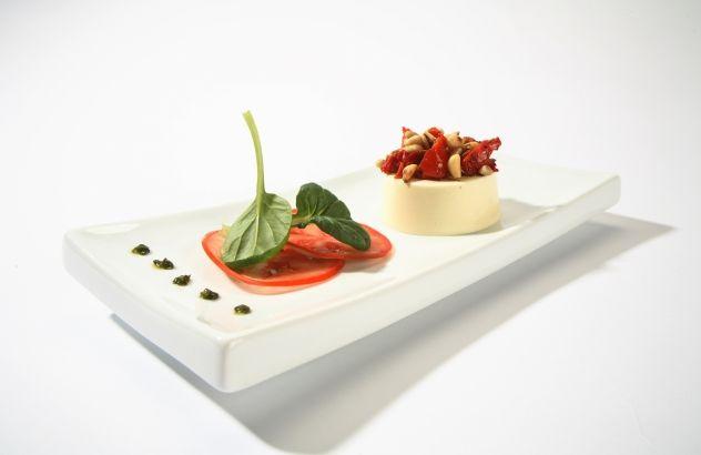 Flan van Passendale Classic met carpaccio van tomaten en pijnboompitten - Lekker van bij ons !