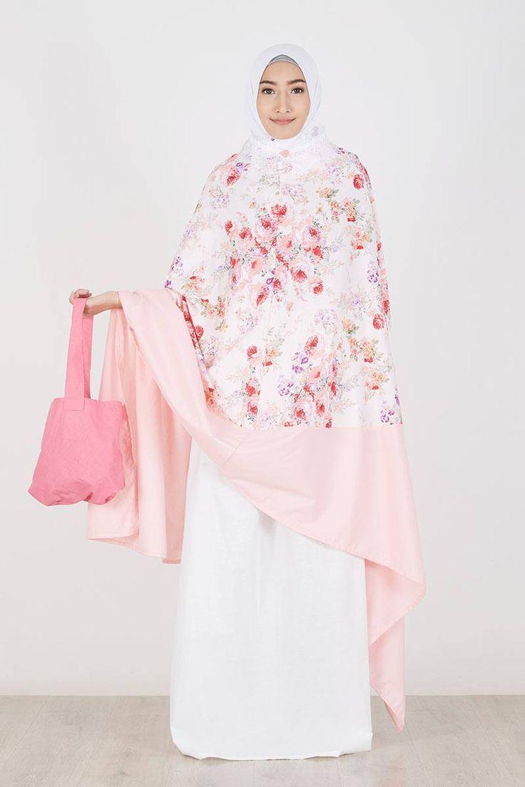 Mukena Mukaga Missy  Exobrooch  IDR287.900  Set mukena cantik dengan kombinasi motif bunga. Dilengkapi dengan tas jinjing kecil yang praktis untuk dibawa saat bepergian.  Sell Mukena Mukaga Missy Mukena | Hijabenka.net