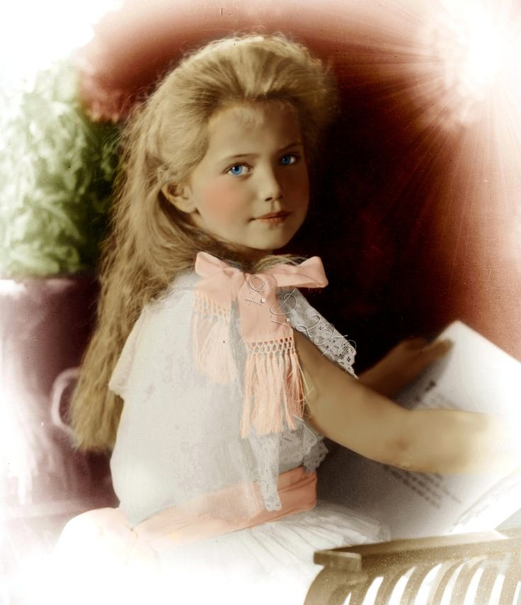 Grand Duchess Maria Nikolaevna Romanova of Russia (1899-1918), third daughter of the last emperor of Russia, Tsar Nicholas II and his wife, Alexandra Feodorovna
