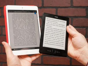Kindle vs. Nook vs. iPad: Which e-book reader should you buy? - CNET Mobile