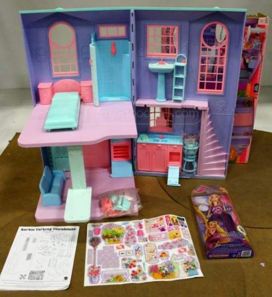2 Story Barbie Beach House: Doll House / Diorama / Rooms