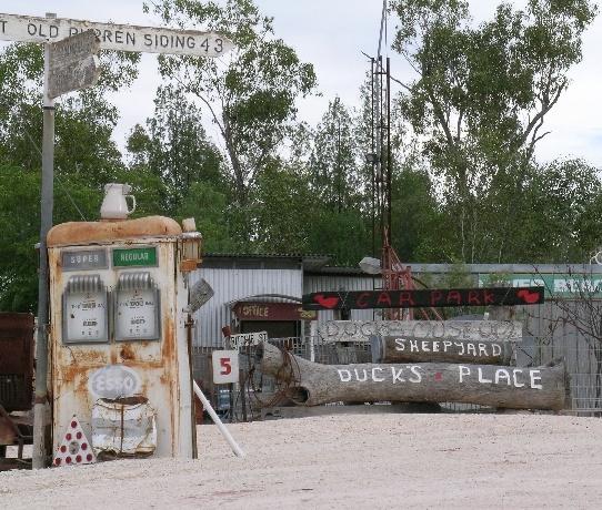 Esso Petrol Pump - Grawin opal fields