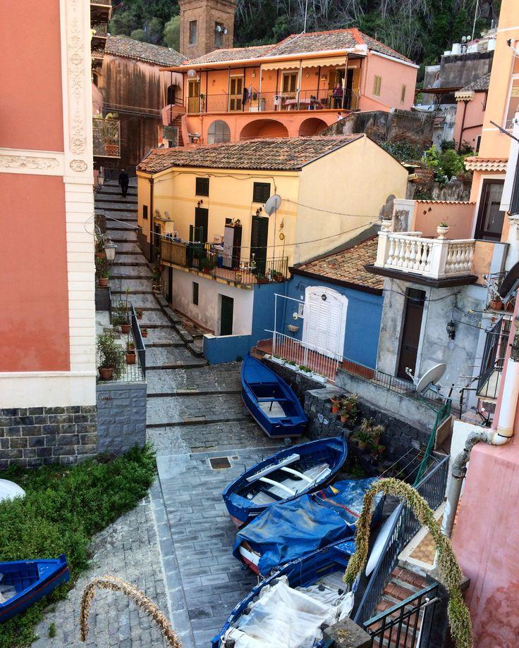 Santa Maria La Scala Instagram.com/clayhaze #Italy #Sicily #Италия #Сицилия
