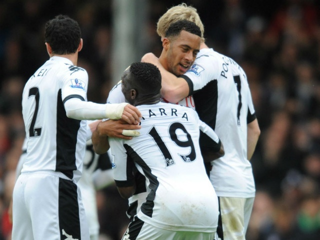 Fulham remain on course for a record Premier League points haul after Clint Dempsey spurred his side on to a 2-1 victory over Sunderland.