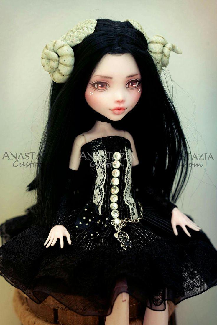 Monster high custom