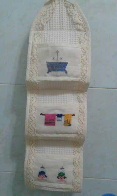 Porta carta igienica a punto croce