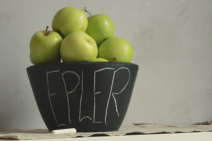 Chalkboard paint on bowl- DIY