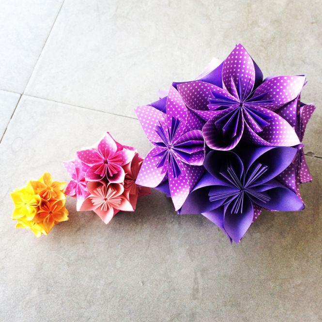 Este é o terceiro post de uma série de origamis feitos para um projeto especial. Desta vez foram as Kusudamas feitas nos tamanhos P, M e G! Elas sempre fazem sucesso.Gostou? Então veja como comprar em http://casadeorigami.wordpress.com/produtos/
