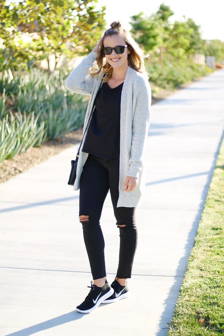 casual athleisure outfit for fall