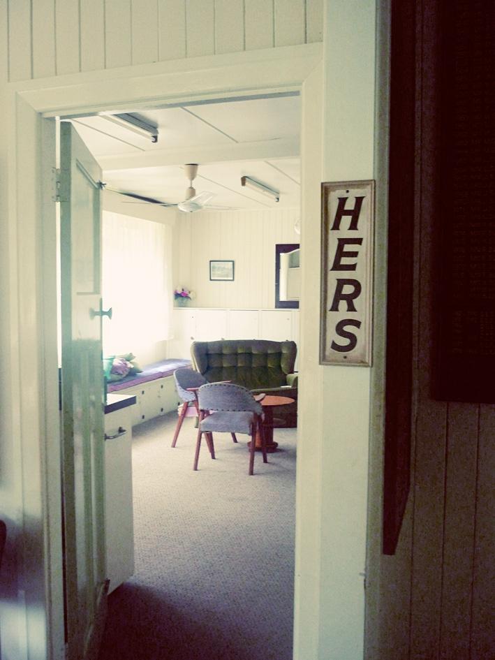 Holland Park Lawn Bowls Club ~ Ladies Room # suburbia