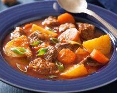 Mijoté de boeuf maigre aux carottes, pommes de terre et tomate : http://www.fourchette-et-bikini.fr/recettes/recettes-minceur/mijote-de-boeuf-maigre-aux-carottes-pommes-de-terre-et-tomate.html