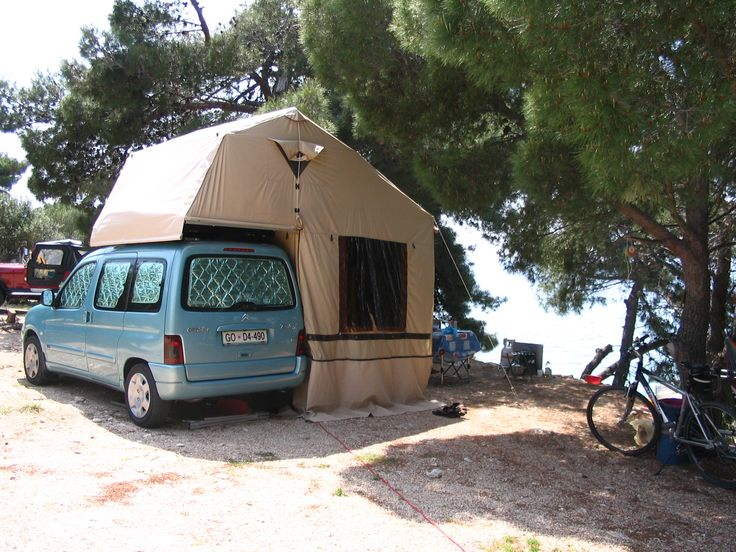 A German Autocamp Family 190 Roof Top Tent One Of The