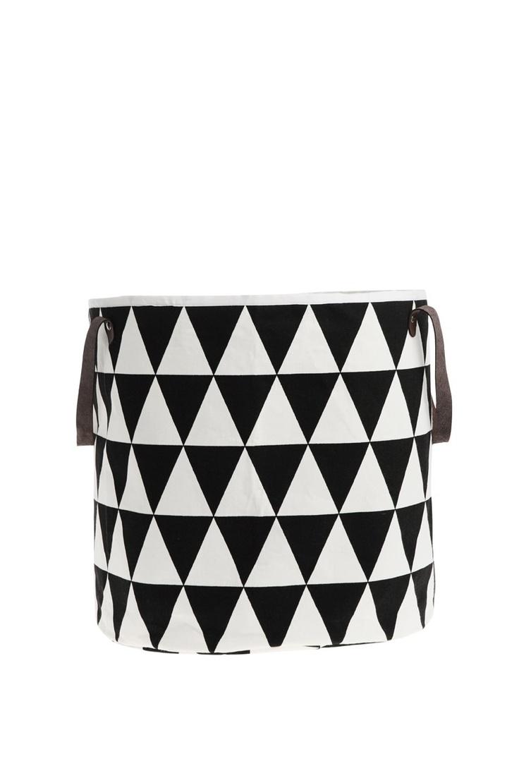 ferm LIVING - Bath - 9111 Triangle Basket - Black