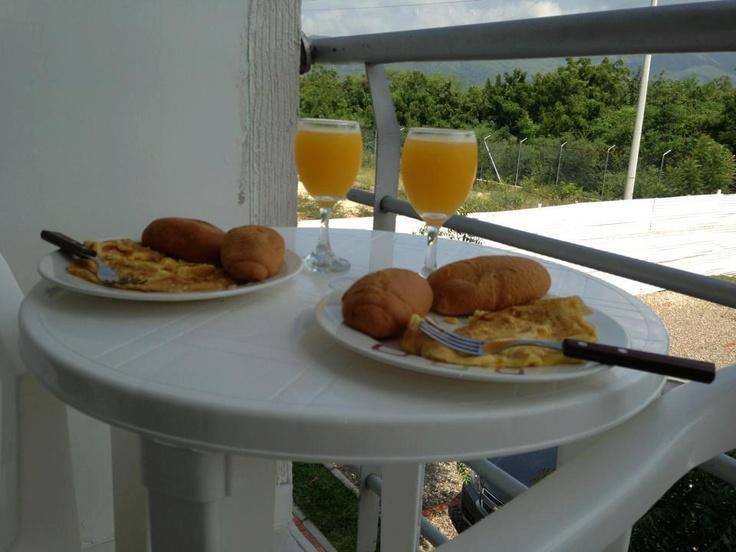 Un delicioso desayuno en www.apartamentoflandes.com    foto tomada por nuestros invitados.