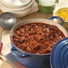 SIRLOIN STEAK CHILI Morton's Steakhouse Recipe 2 tablespoons vegetable oil 2 cups yellow onion, chopped 3 tablespoons garlic, mince...