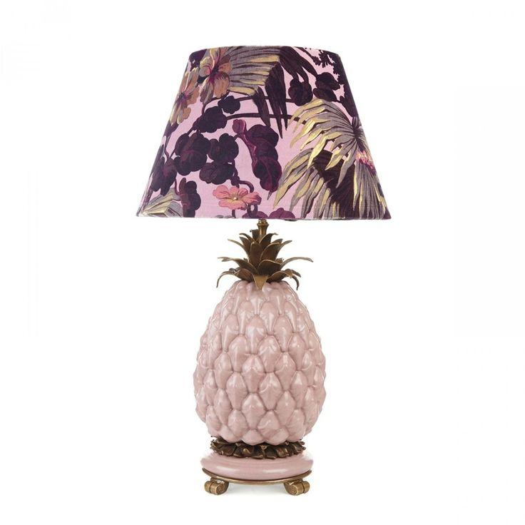 Lampe fra House of Hackney  1600,-  https://meandmore.no/produkt/artemis-daley-lampshade/