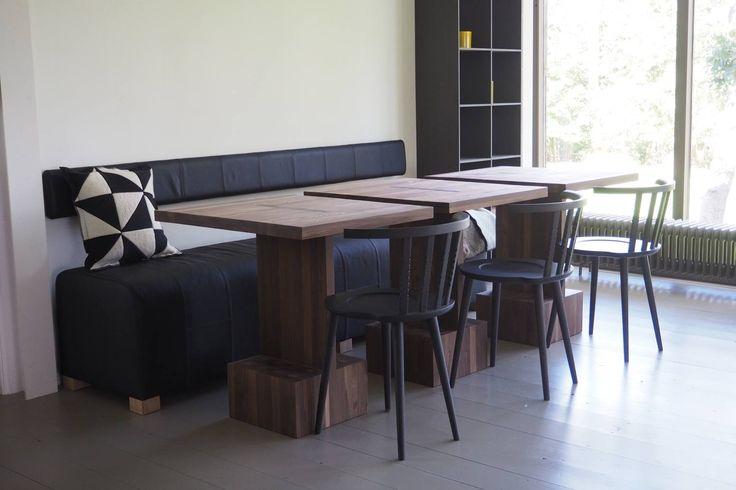 Jehannes tafels met Hinke bank en Pas stoelen. Pilat&Pilat.