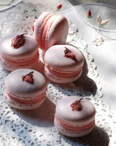 I'm pinning waaaay too many things about food. Prepair yourself for a load of macaroon pins, fair warning.