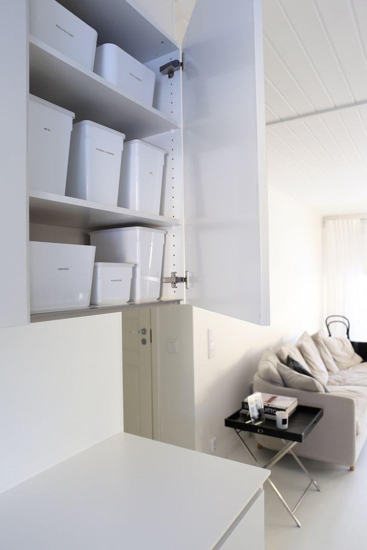 Homevialaura | organizing and storage in kitchen | Ikea Kuggis | Ikea Tillsluta