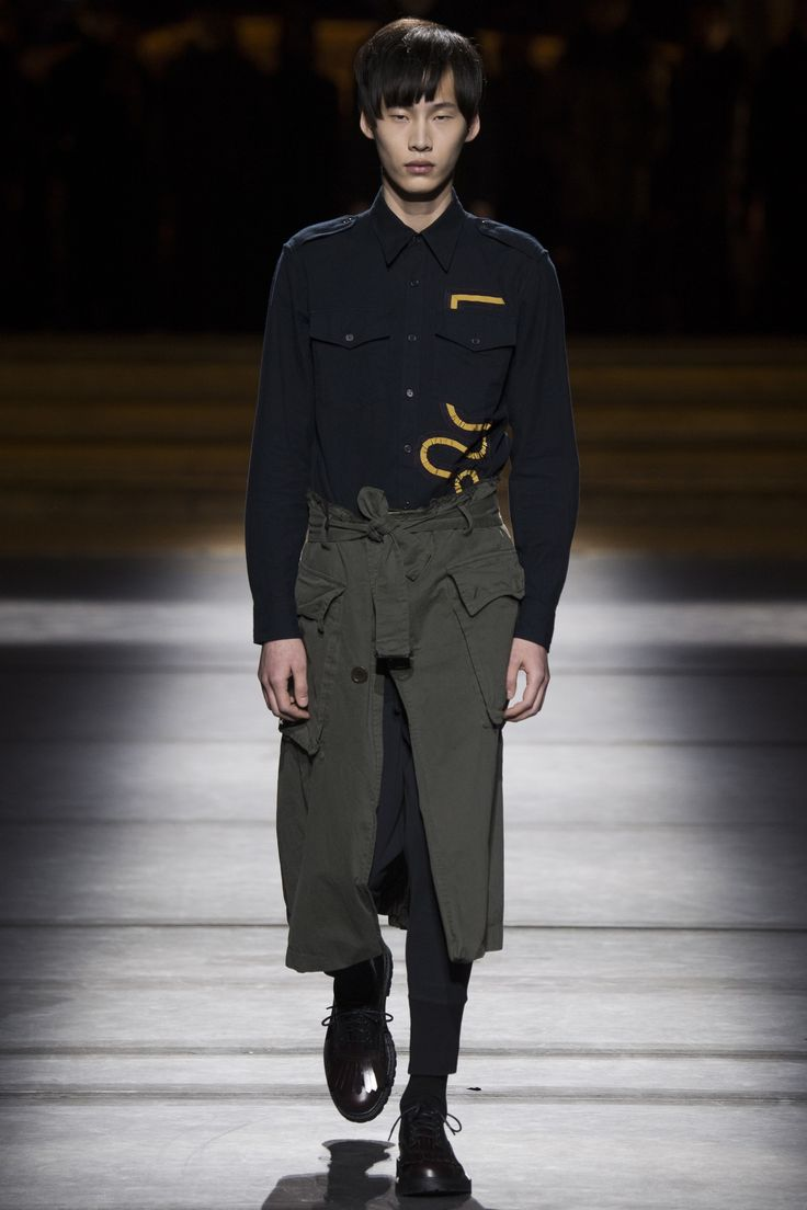 """Dries Van Noten Fall 2016 Menswear Fashion Show **** flower that """"goes behind"""" a pocket. maybe made out of ribbons?"""