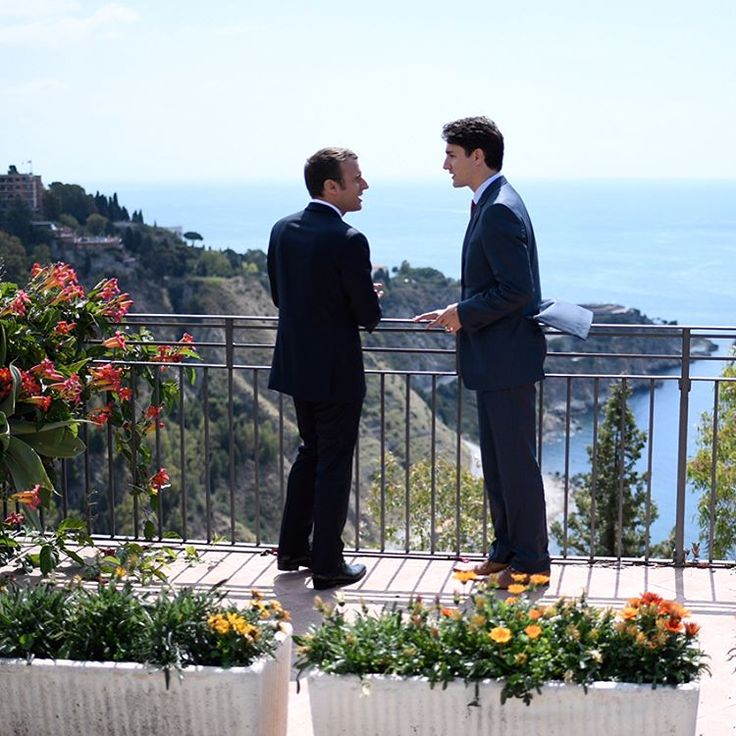 The photos from Emmanuel Macron and Justin Trudeau's meeting look like a magical gay fairytale / Queerty