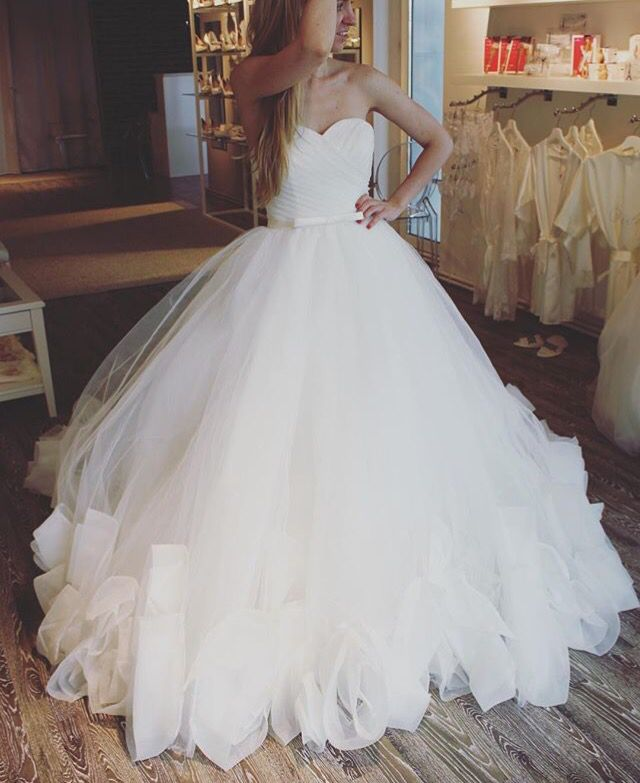 Amazing ball wedding dress Rosa VivaBride