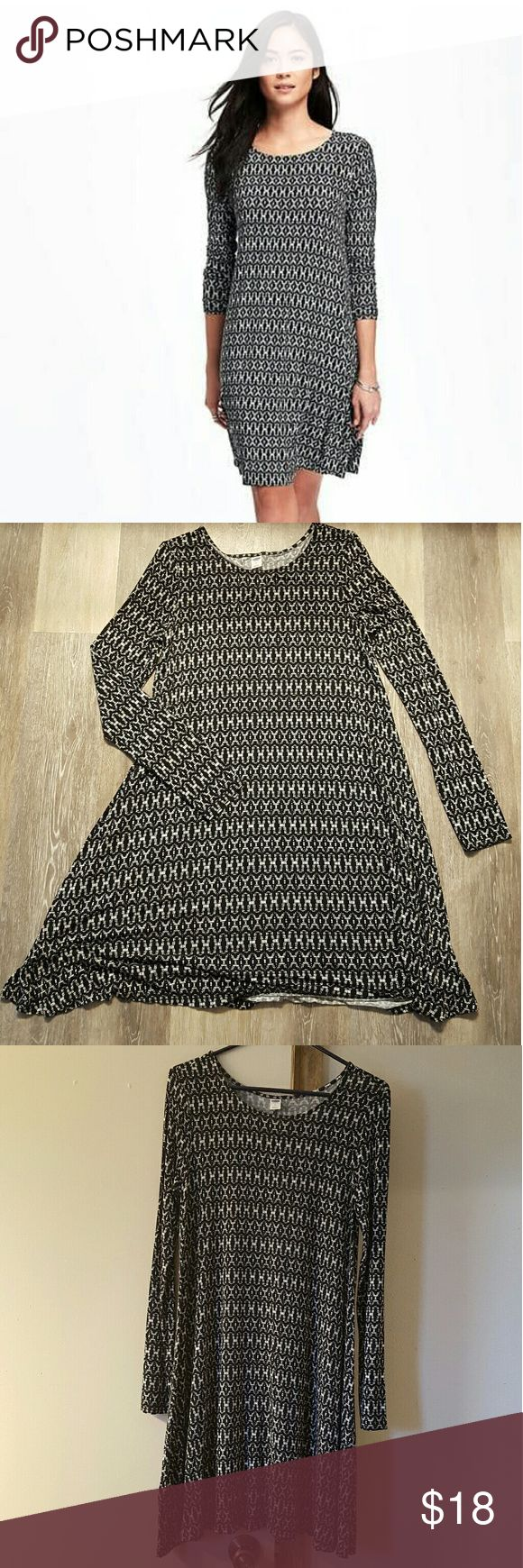"""Old navy Knit swing dress for women Worn it one time..i'm 5""""2 i think i look short in this dress but really feel comfy when worn..if who taller than me think its great for?? Old Navy Dresses Midi"""