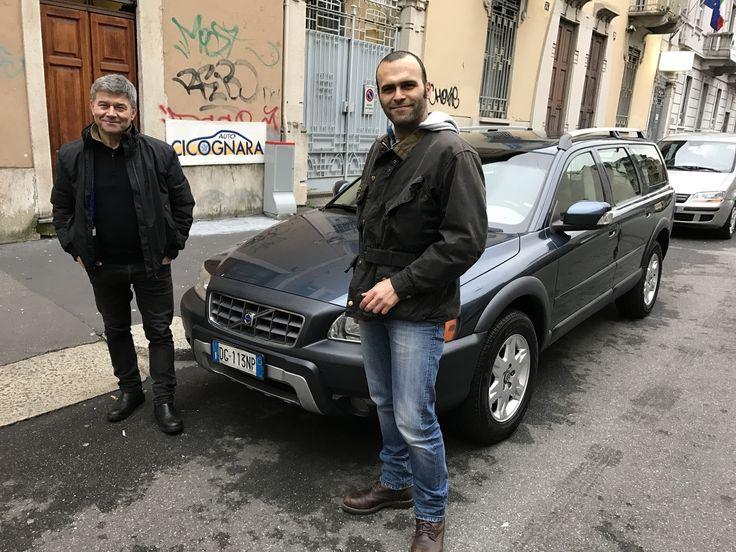 Auto Cicognara: Auto Usate e Service a Milano - 3939578915 (anche WhatsApp) Oggi Pino insieme al papà Francesco (grande amico del team di Auto Cicognara) ritira una fantastica Volvo XC70 2.4D Cross Country AWD usata. Se anche tu stai cercando un'auto usata come questa visita il nostro sito: http://www.autocicognara.it/AC15/list.php STAY TUNED !!!  #AutoCicognara #AutoUsate #Officina #Carrozzeria #CambioOlio #RevisioneAuto #Milano #AC63MI #WhatsApp #Volvo #XC70 #CrossCountry