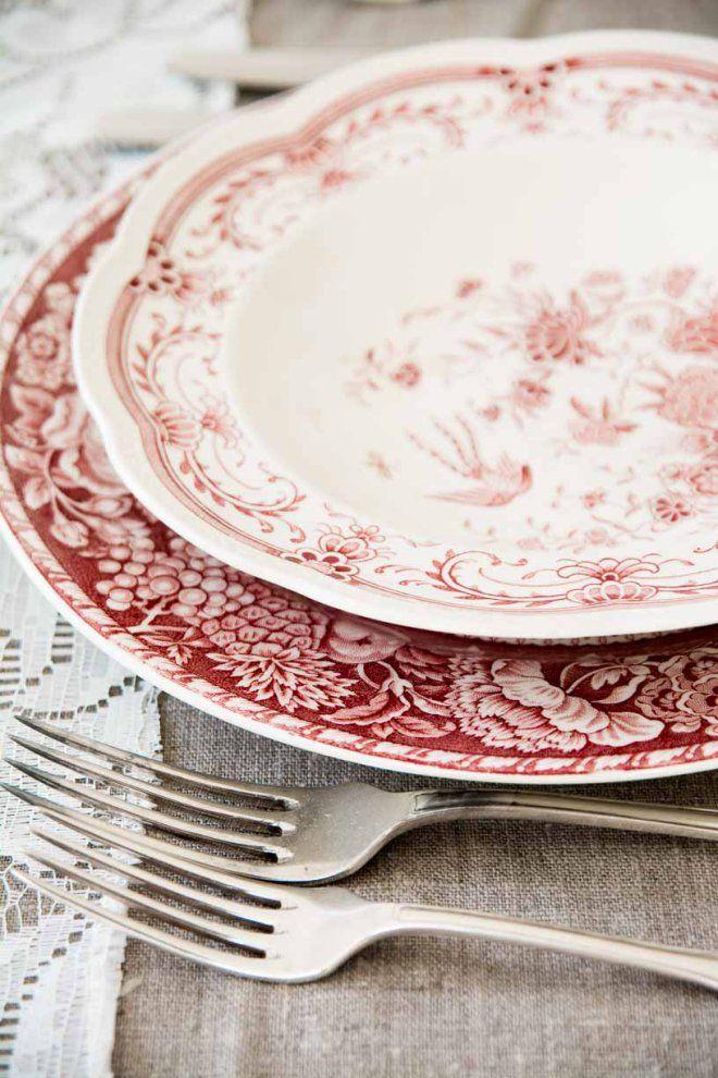 herlig rød #borddekking #vintage #table setting